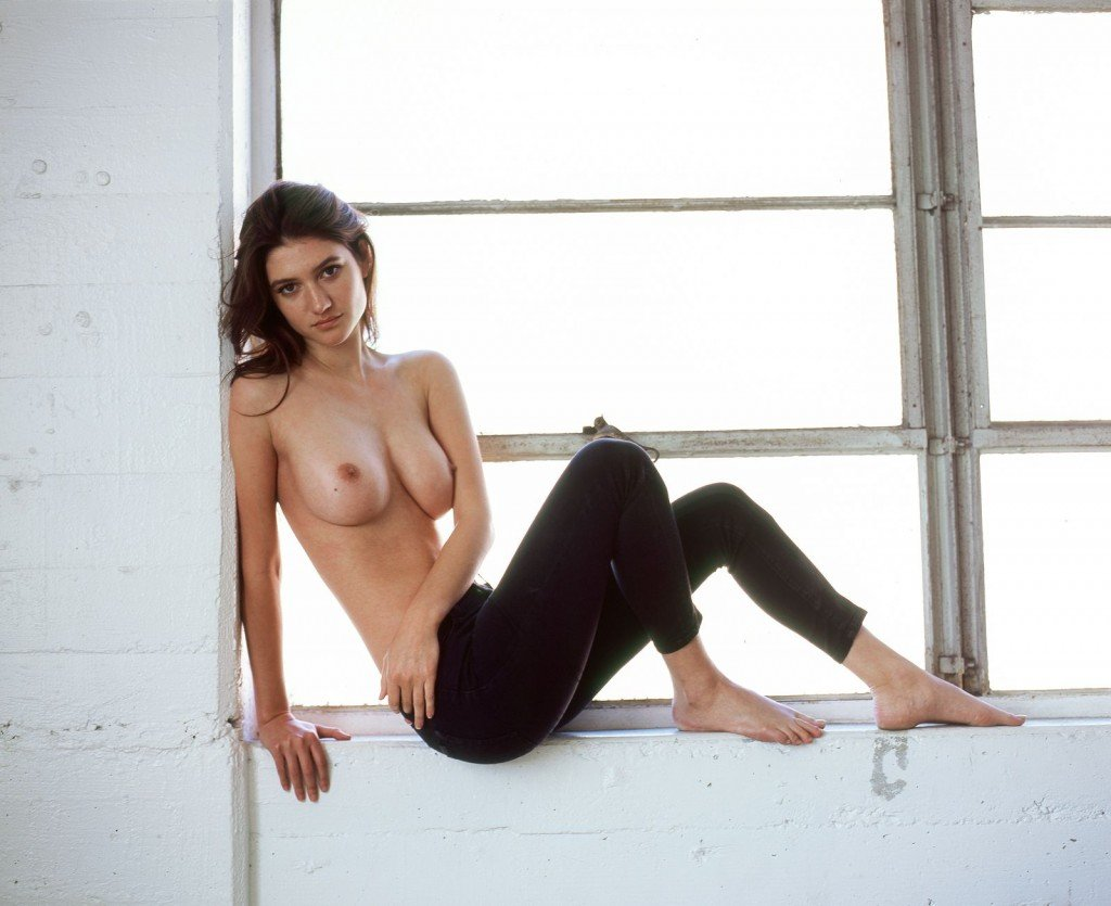 Elizabeth Elam Sexy and Topless (14 Photos)