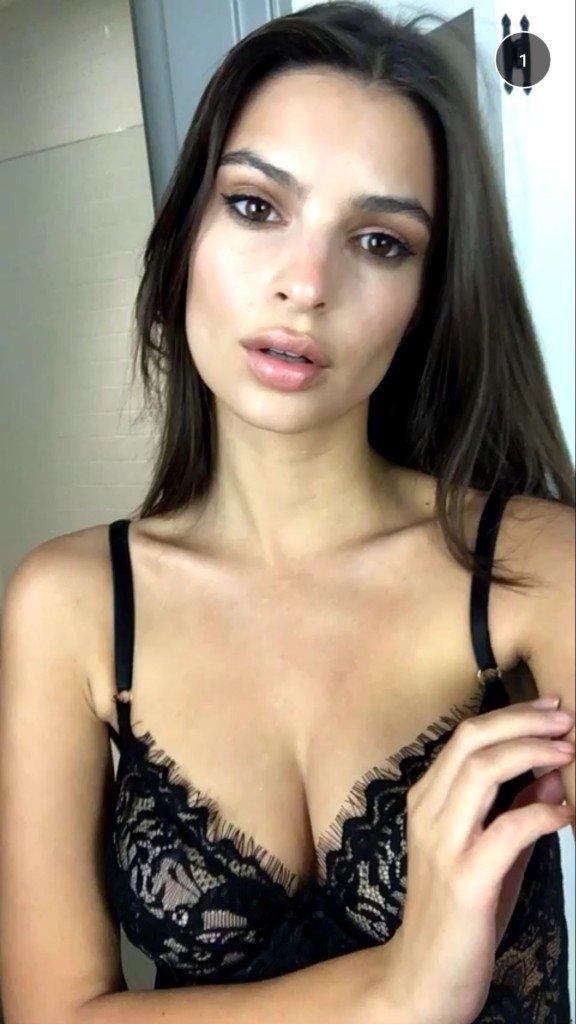 Emily Ratajkowski Sexy (7 Photos + 2 Gifs and Video)