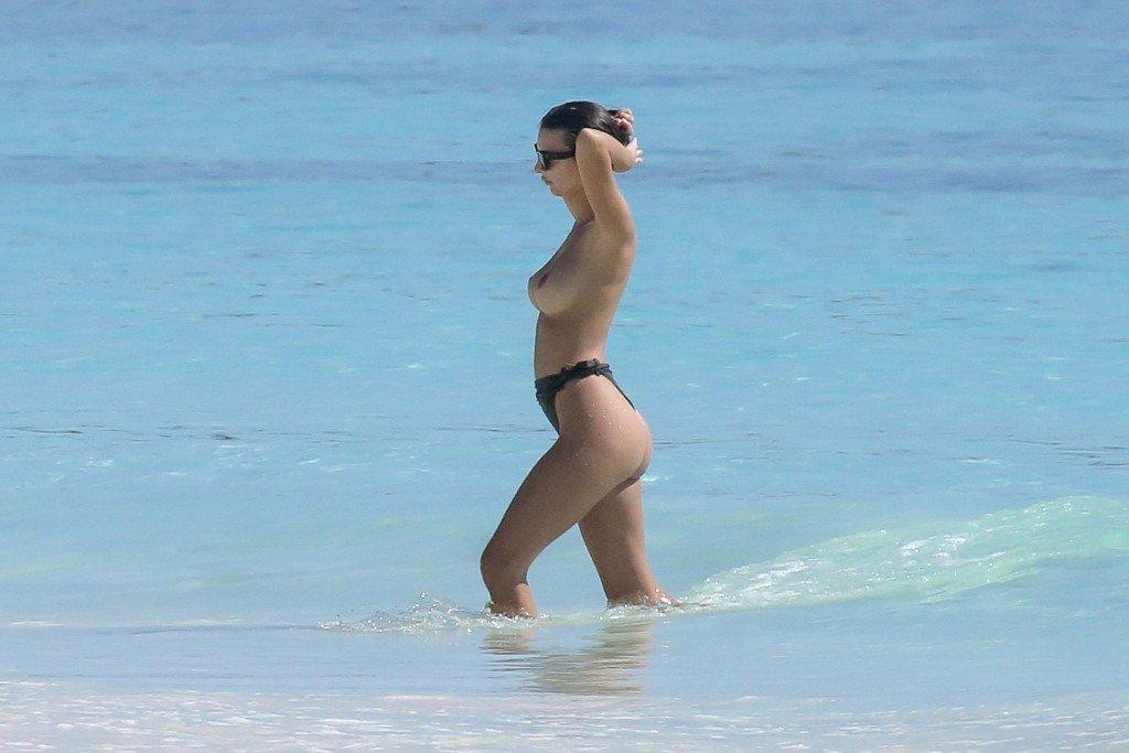 Emily Ratajkowski Sexy & Topless (105 Photos + Video)