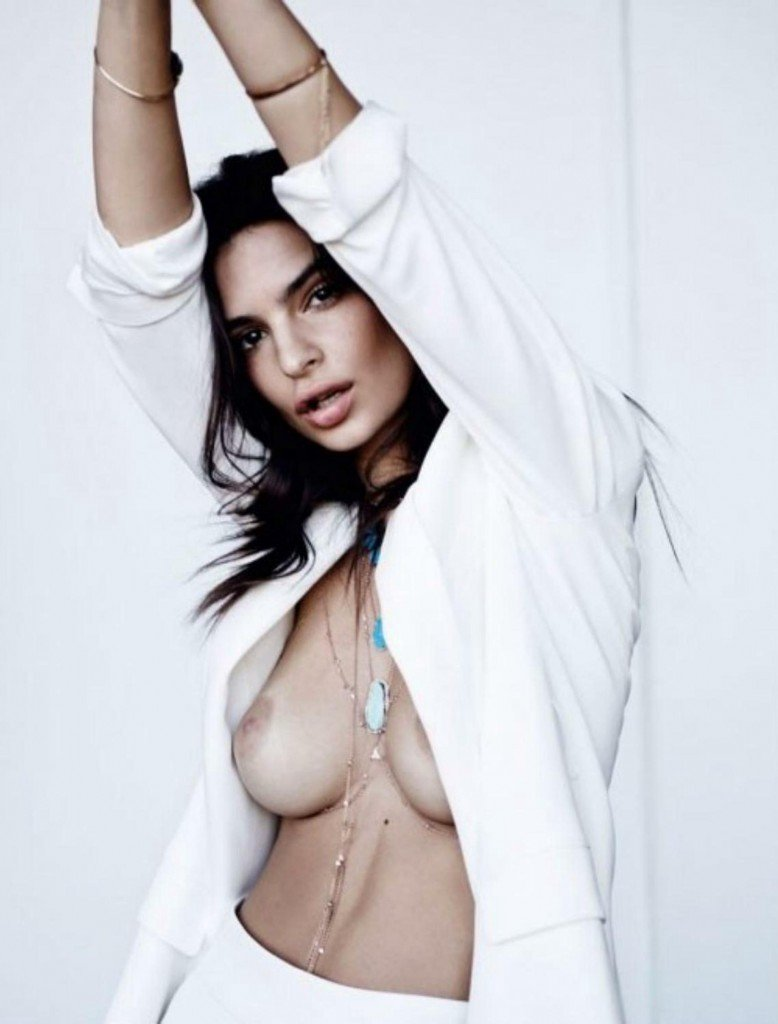 Emily Ratajkowski Sexy and Topless 6