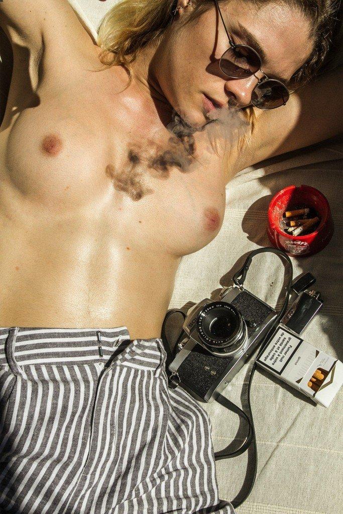 Eva Biechy Sexy Topless 9