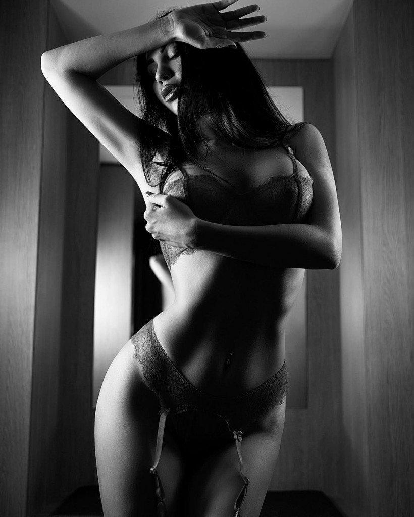 Gayana Bagdasaryan Nude & Sexy 17