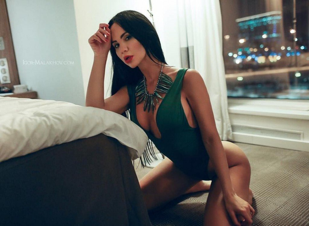 Gayana Bagdasaryan Nude & Sexy 21