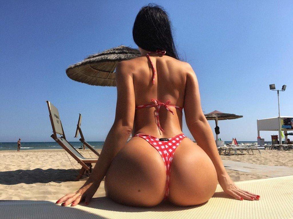Gayana Bagdasaryan Nude & Sexy 33