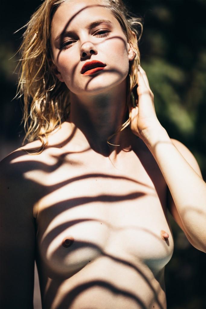 Hannah Holman Nude 5