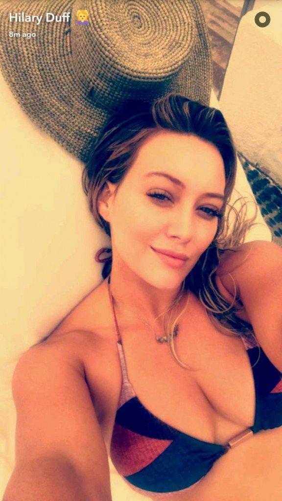 Hilary Duff Sexy (2 Photos)
