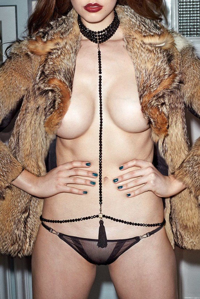Jessica Buch Sexy & Topless (6 Photos)