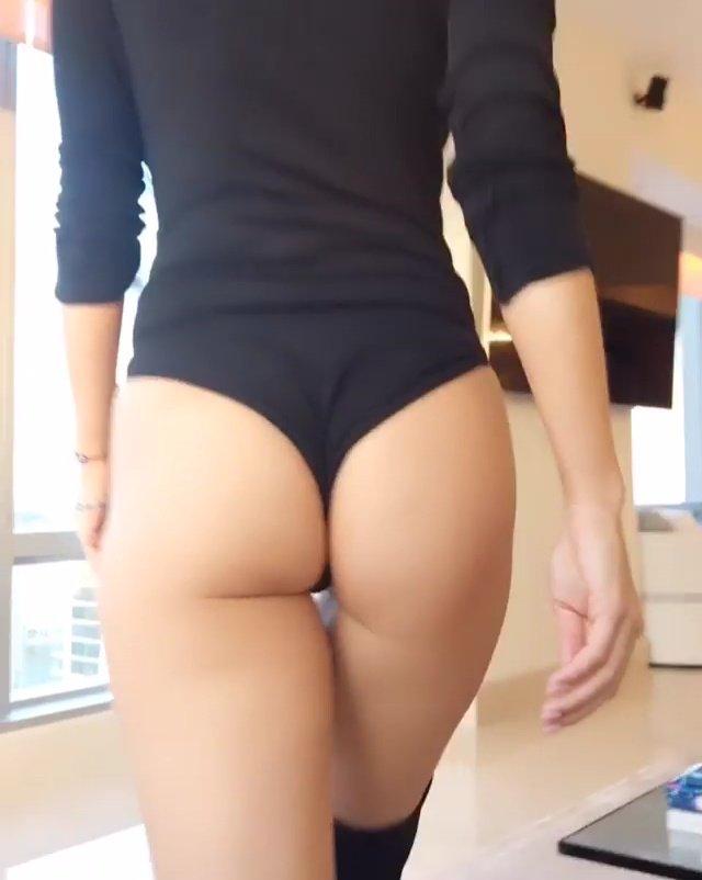 joanna krupa ass