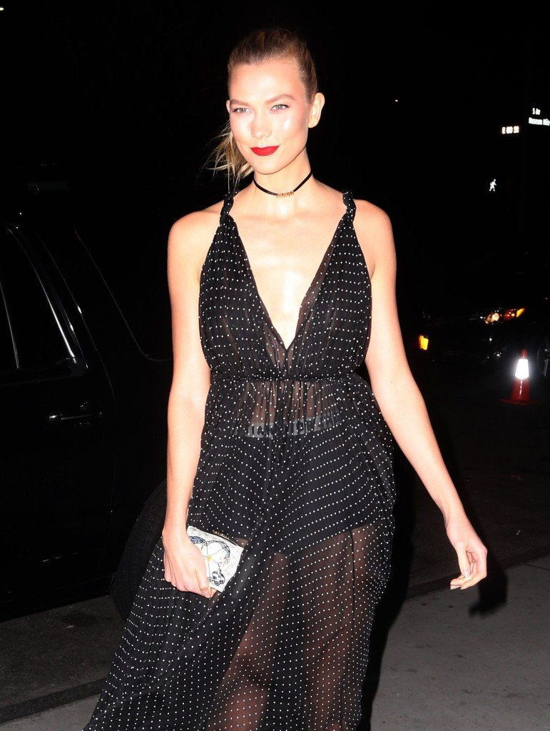 Karlie Kloss Braless thefappening.so 5
