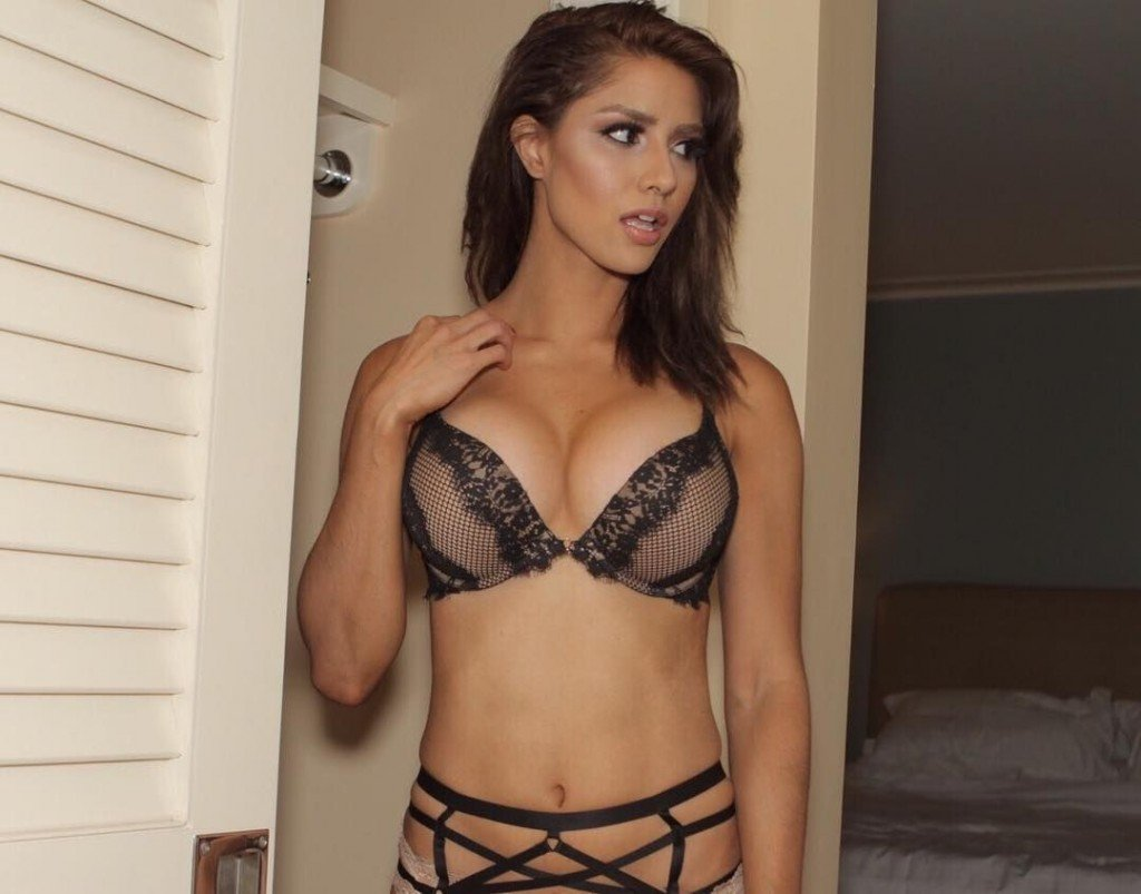 Kayli Ann Phillips Sexy (7 Photos)