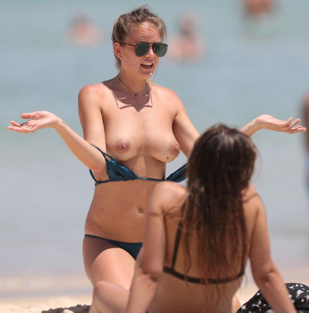 Kendal Schuler Sexy & Topless (71 Photos)