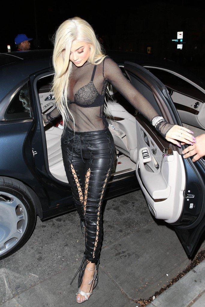 Kylie Jenner Sexy (63 Photos)