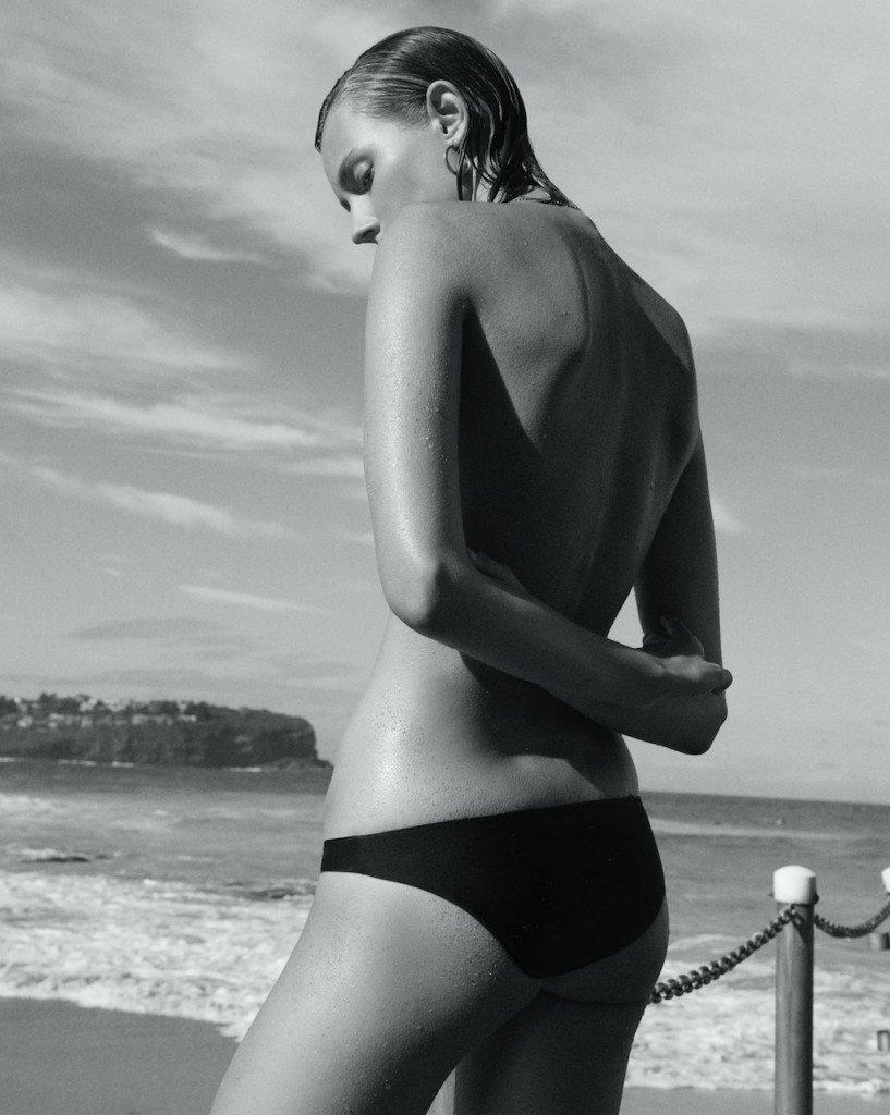 Mali Koopman Topless (10 Photos)