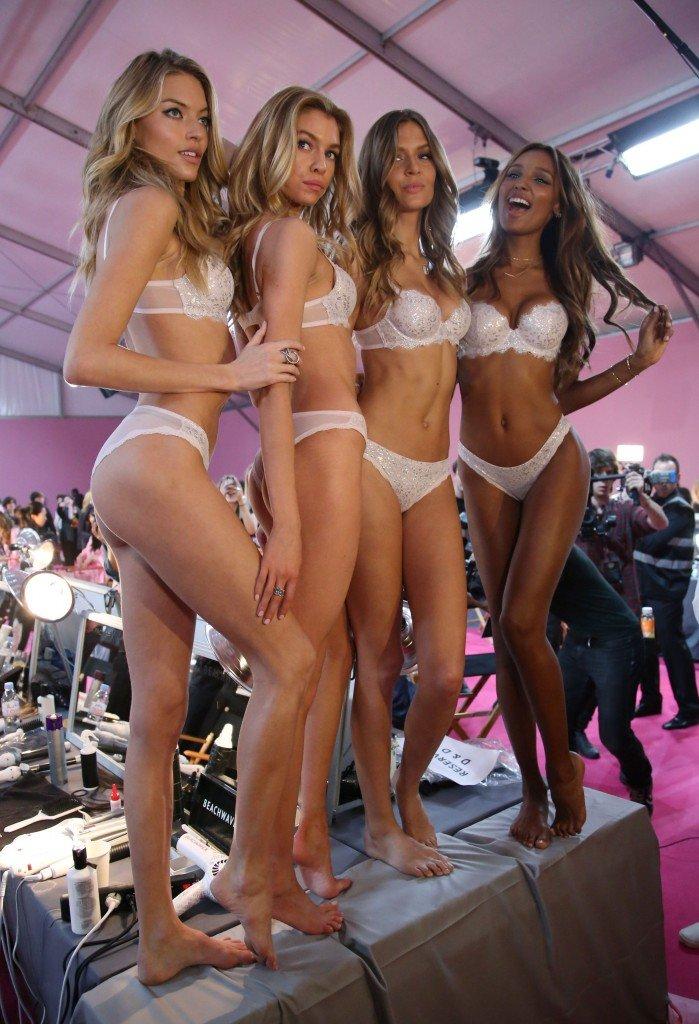 Martha Hunt, Stella Maxwell, Josephine Skriver, Jasmine Tookes Sexy 14