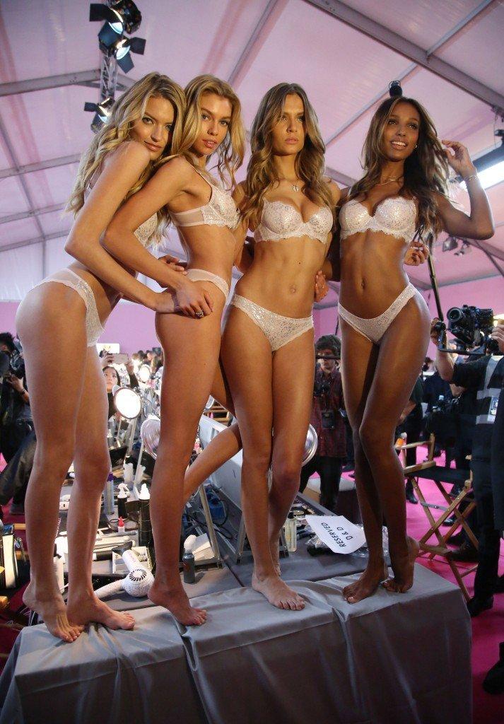 Martha Hunt, Stella Maxwell, Josephine Skriver, Jasmine Tookes Sexy 2