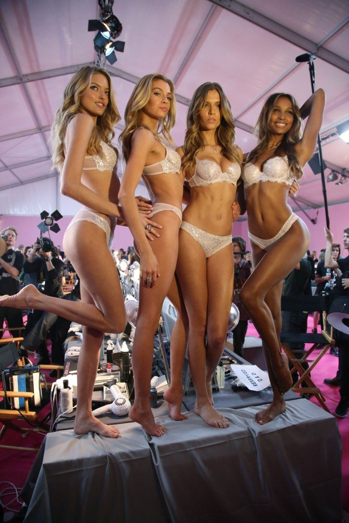 Martha Hunt, Stella Maxwell, Josephine Skriver, Jasmine Tookes Sexy 5
