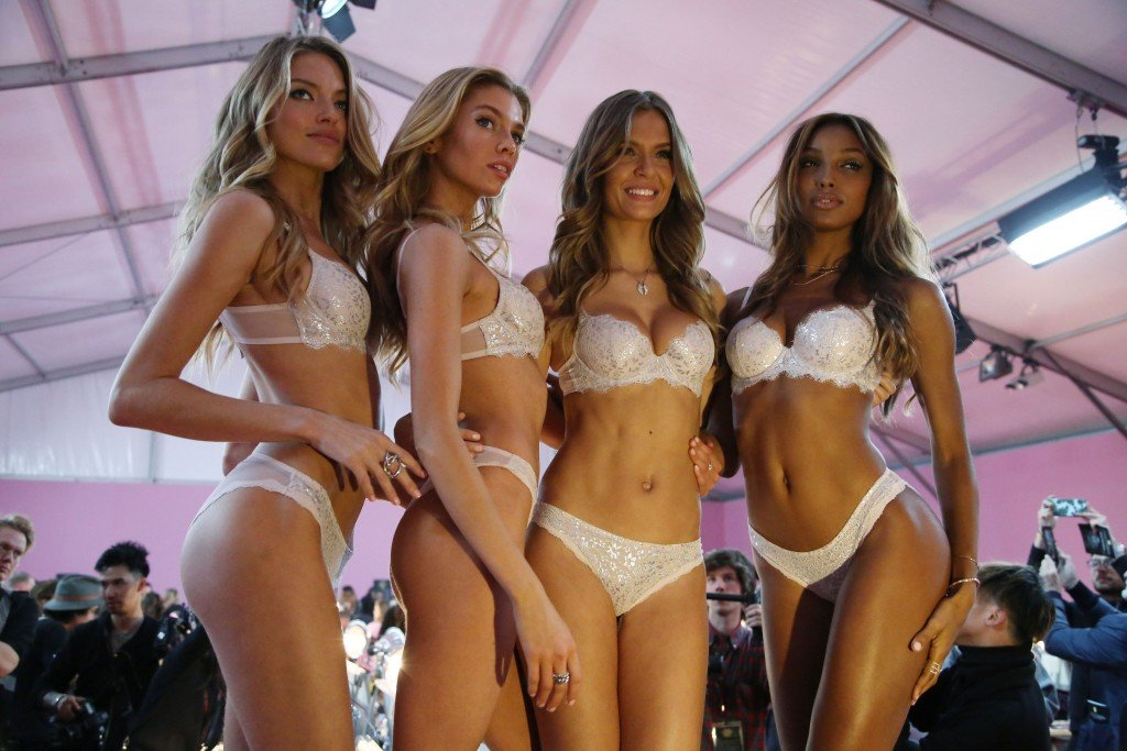 Martha Hunt, Stella Maxwell, Josephine Skriver, Jasmine Tookes Sexy 6