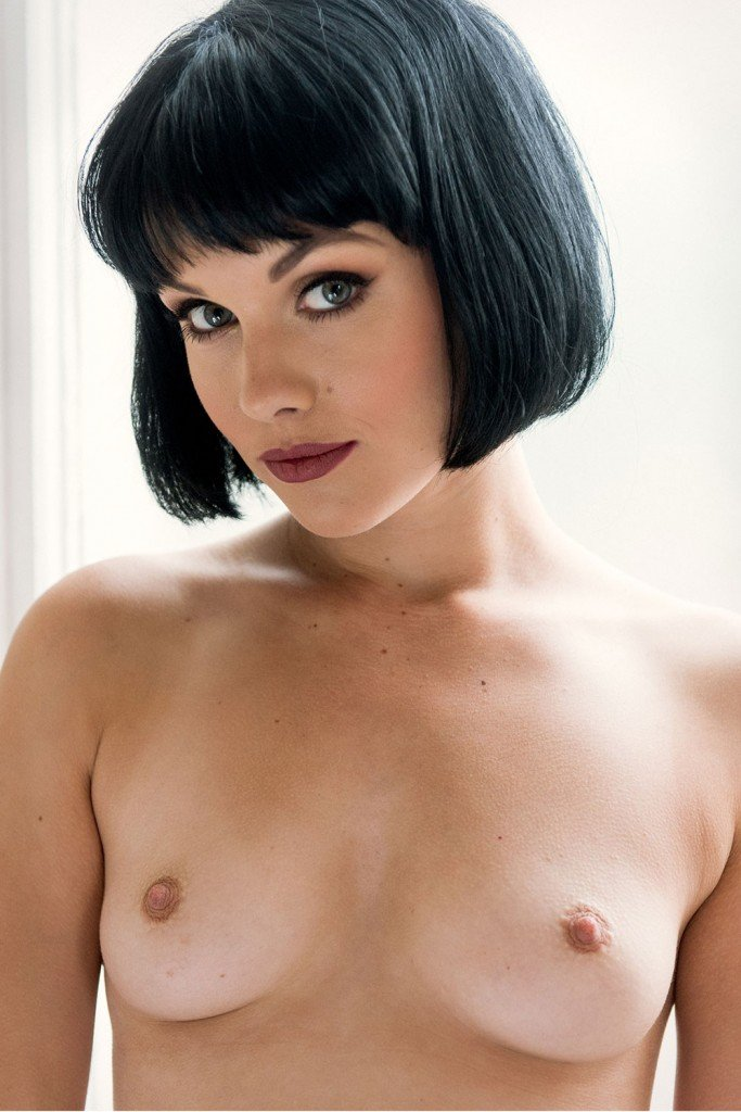 Mellisa Clarke Sexy and Topless (5 New Photos)