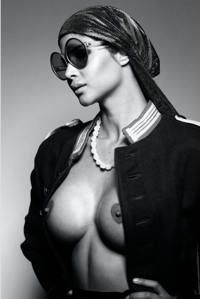 Micaela Schäfer Sexy Topless 3