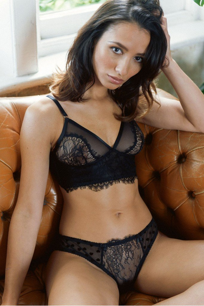 Nicola Paul Sexy & Topless (5 Hot Photos)