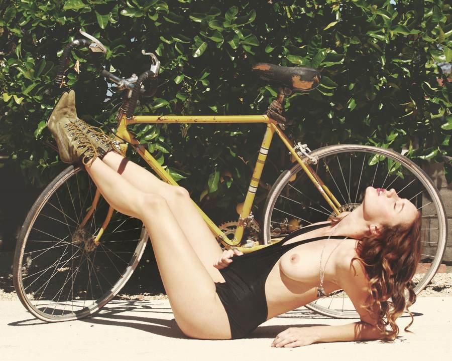 Olivia North Nude and Sexy (20 Photos)