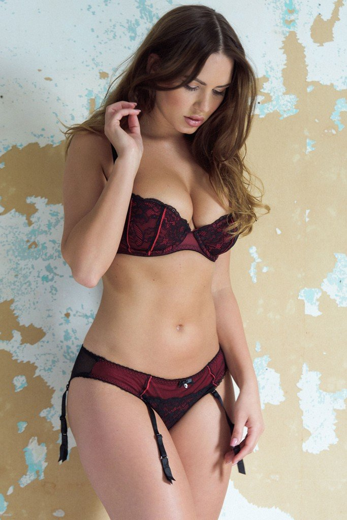 Sabine Jemeljanova Sexy & Topless (5 Photos)