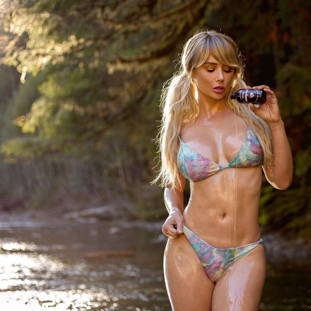 salma hayek full naked pics