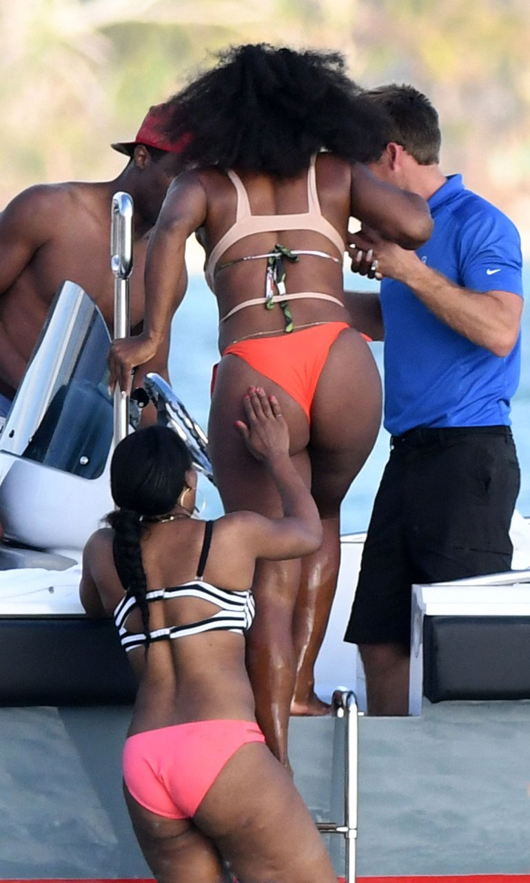 serena williams butt naked