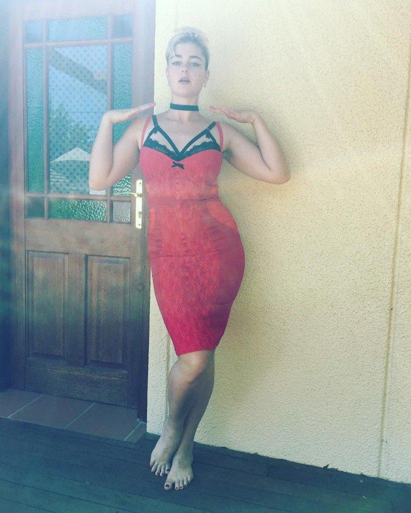 Stefania Ferrario Nude & Sexy 11