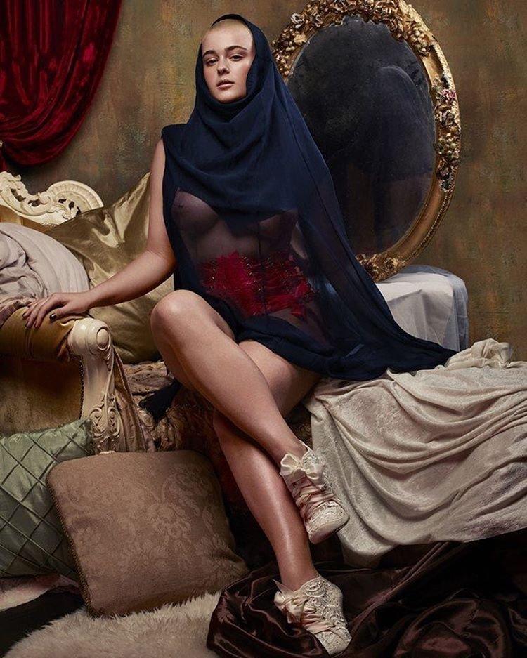 Stefania Ferrario Nude & Sexy 17
