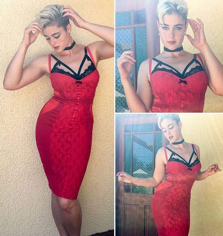 Stefania Ferrario Nude & Sexy 20