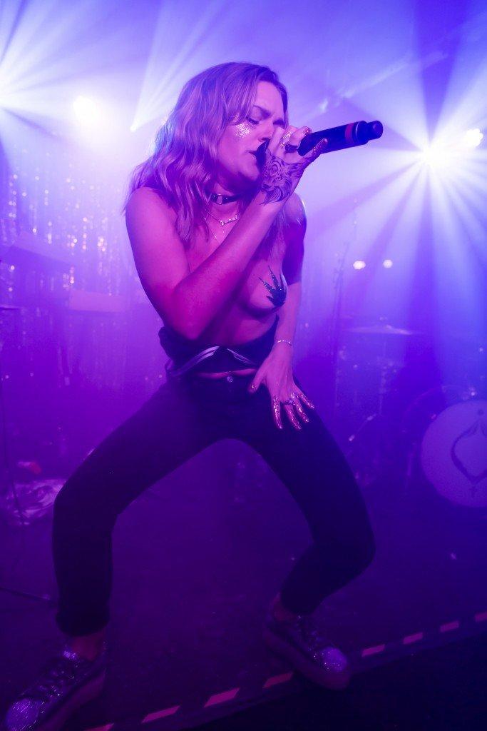 Tove Lo Topless (17 Photos)