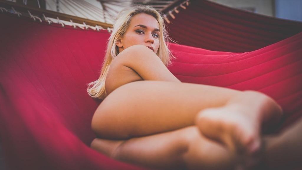 hannah gross nude photos hot leaked naked pics of hannah