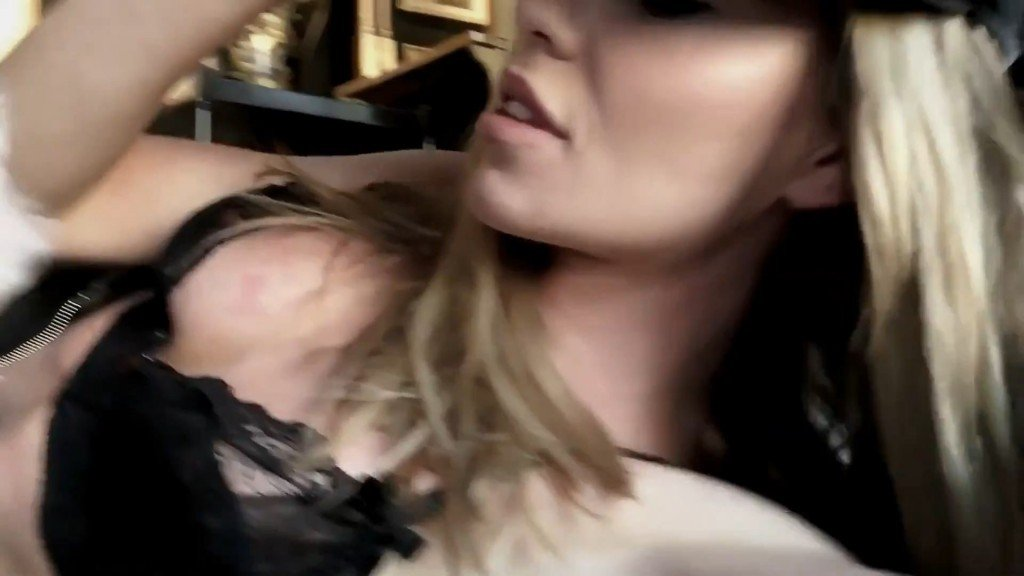 Abbey Clancy Sexy – 2016 LOVE Advent (Day 7)