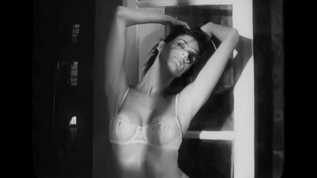 Alessandra Ambrosio Sexy 29