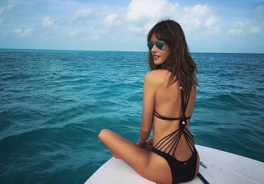 Alessandra Ambrosio Sexy 5