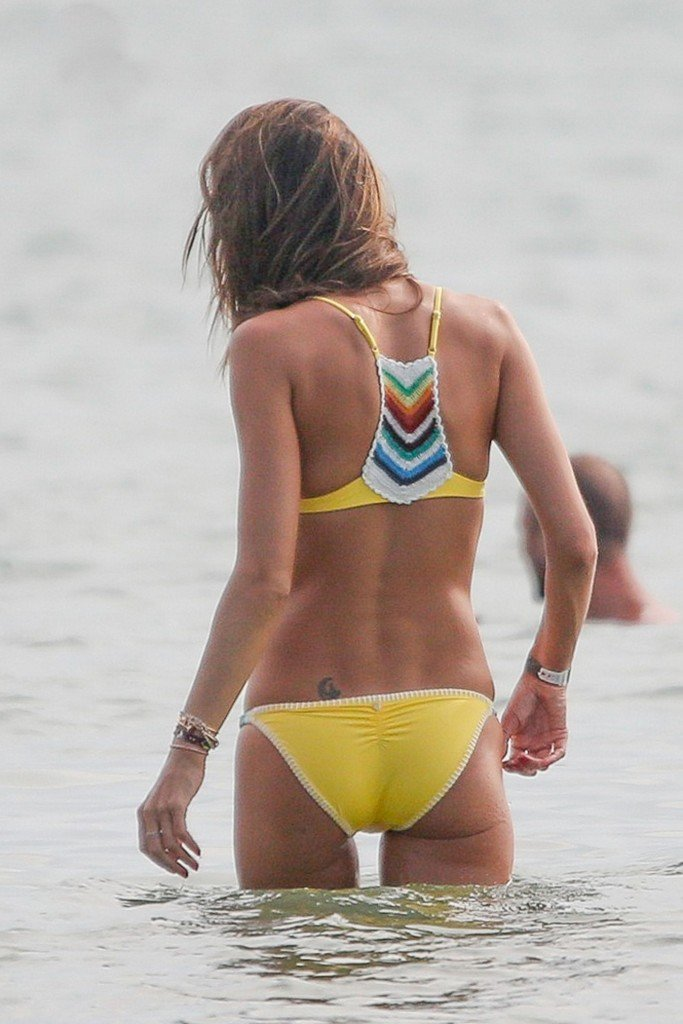 Alessandra Ambrosio Sexy thefappening.so 17