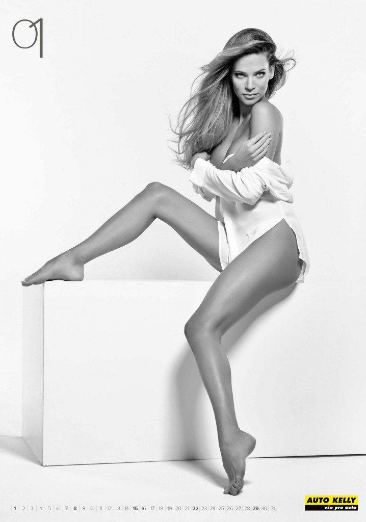 Andrea Veresova Nude & Sexy (14 Photos)
