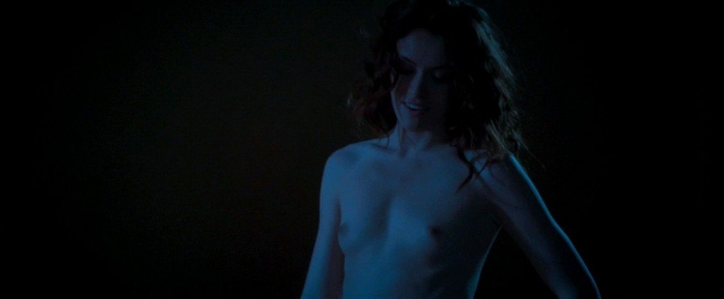Ashlynn Yennie Nude – Fractured (2014) HD 1080p