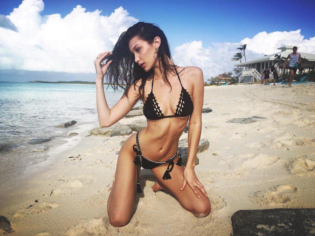 Isabella Hadid Sexy (4 Photos)