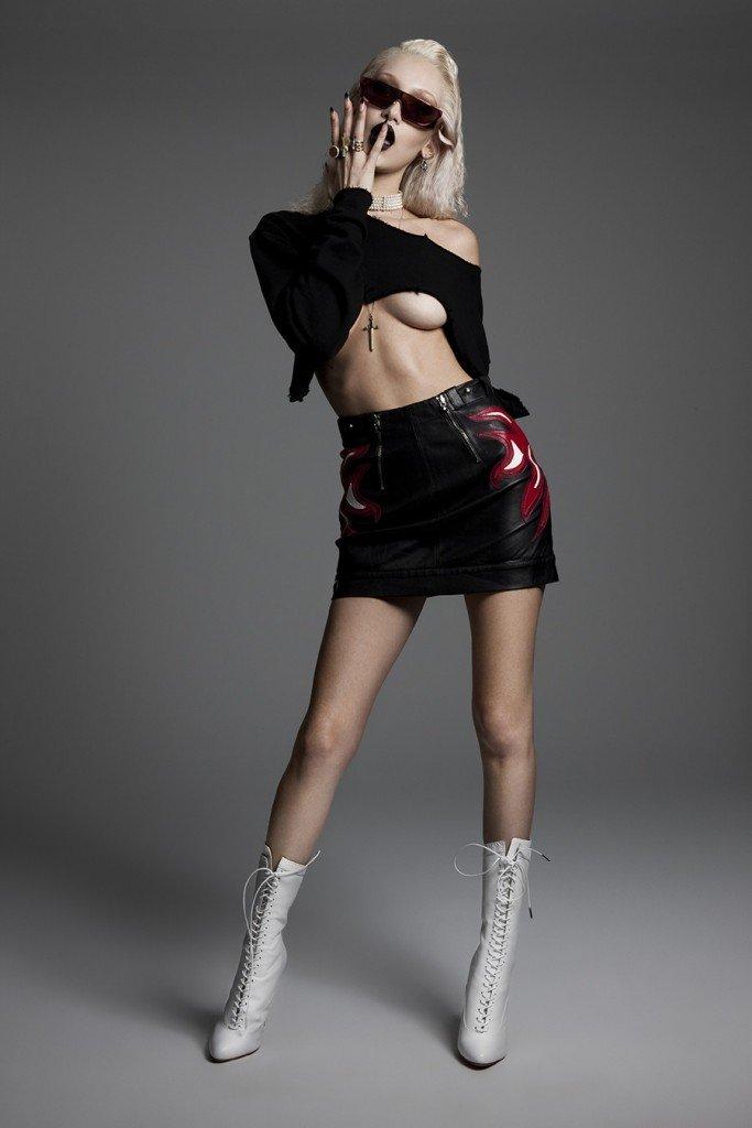 Bella Hadid Sexy & Topless 4