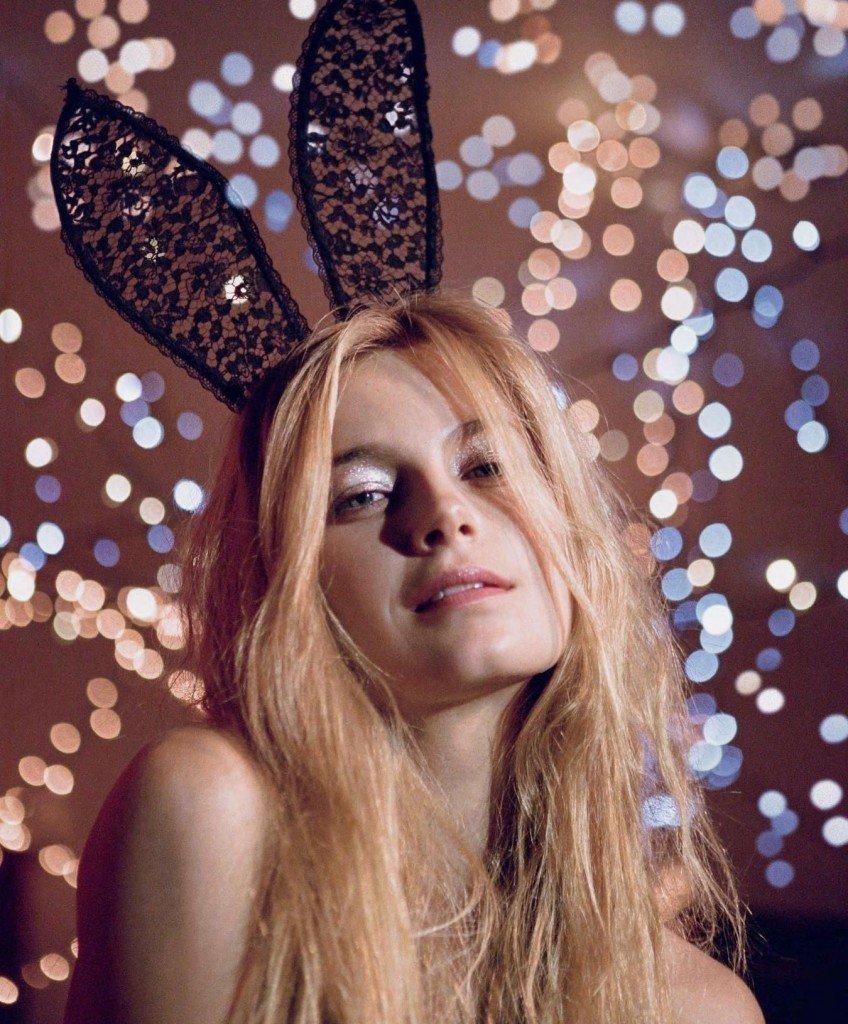 Bridget Malcolm Nude & Sexy (10 Photos)