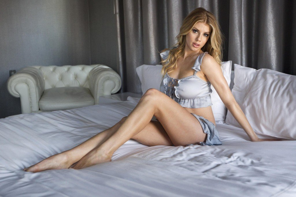 Charlotte McKinney Sexy (10 Hot Photos)