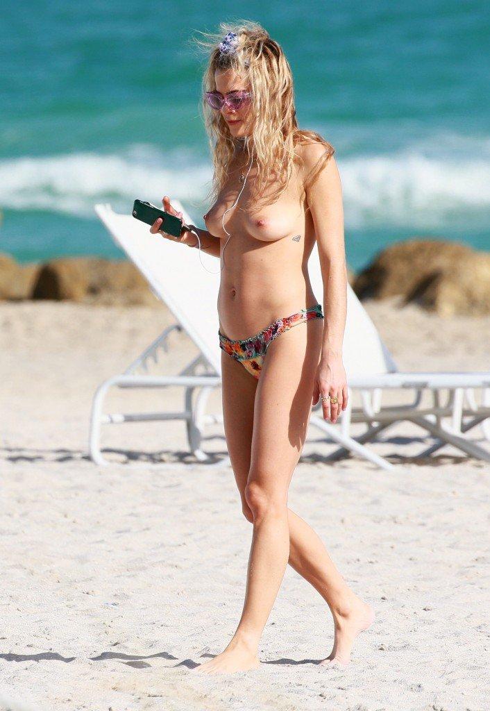 Chelsea Leyland Topless 2