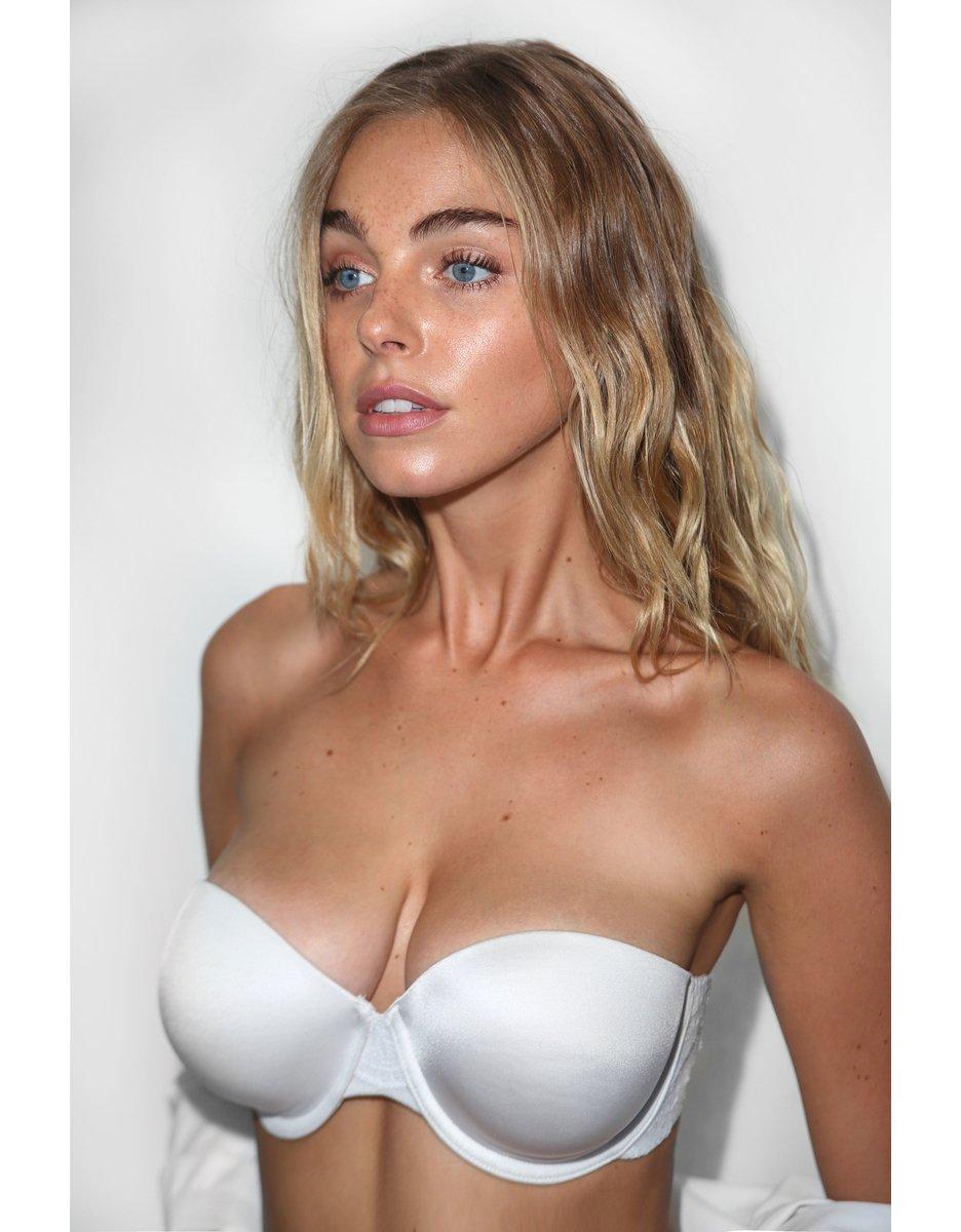 Elizebeth Nude 26