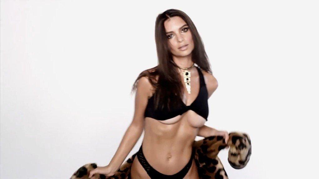 Emily Ratajkowski Sexy 19