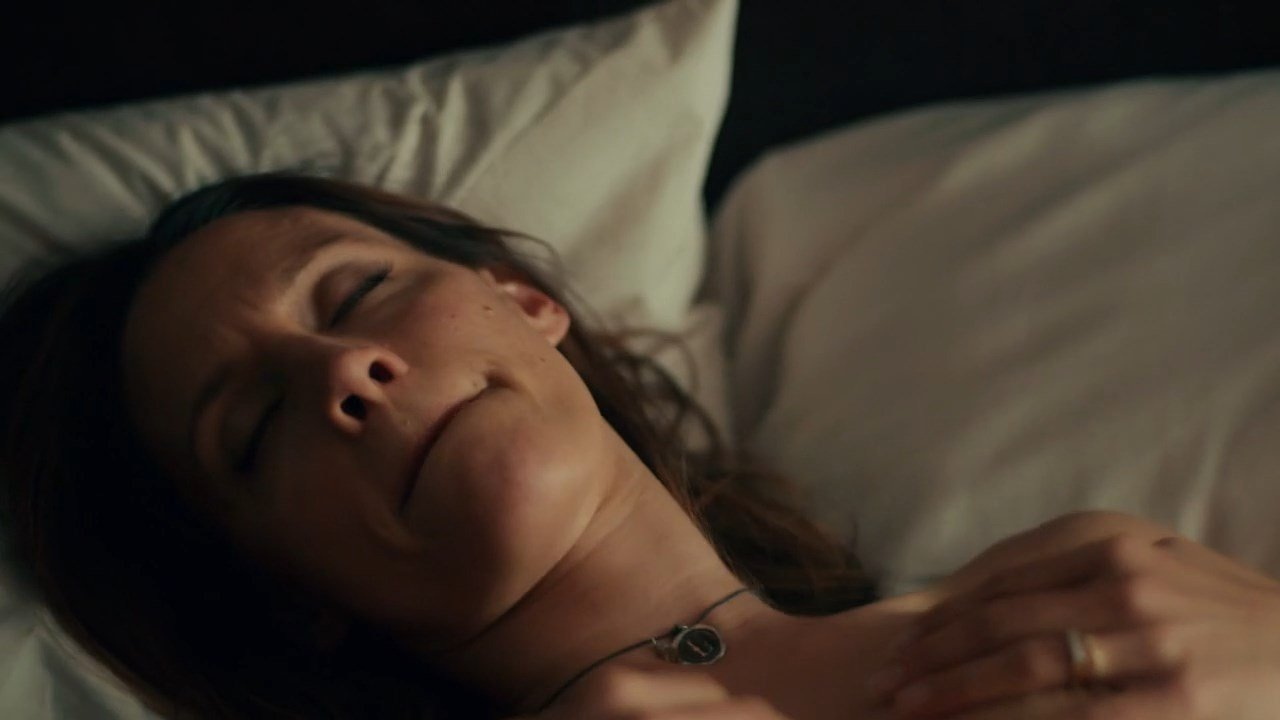 Emmanuelle chriqui kadee strickland shut eye s01e01