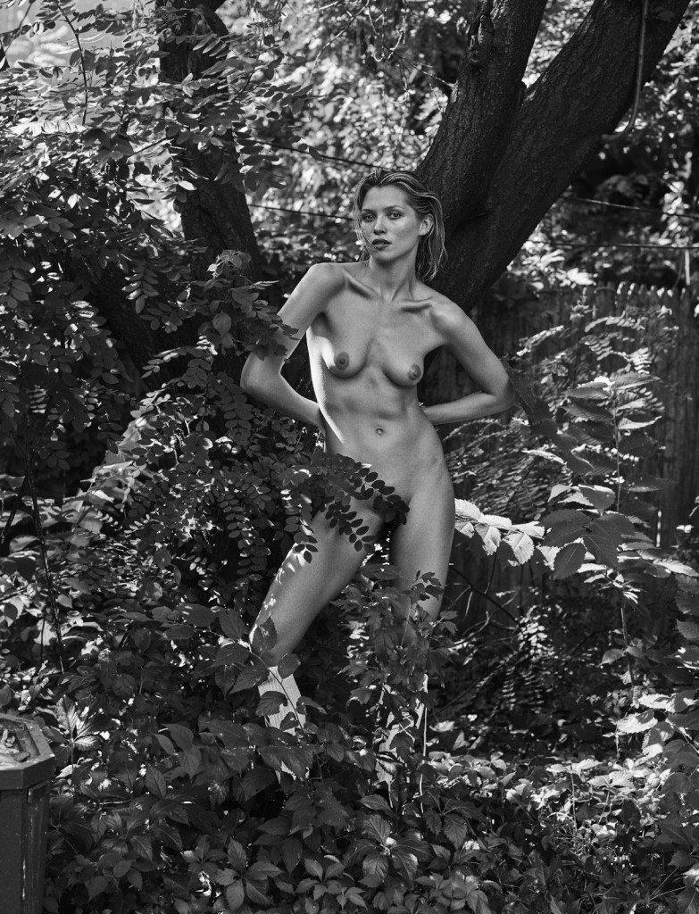 Hana Jirickova Nude & Sexy 19