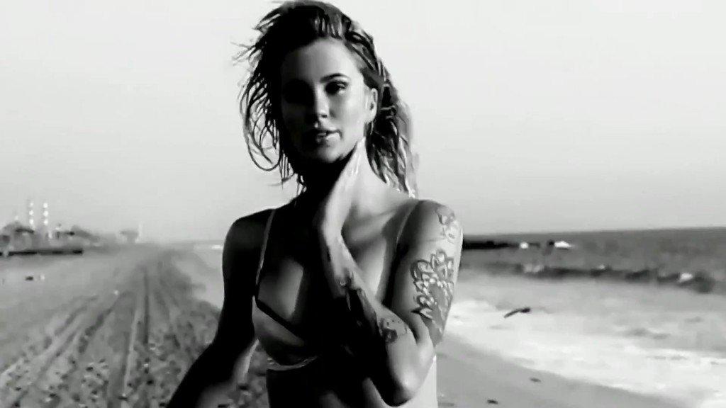 Ireland Baldwin Sexy & Topless5