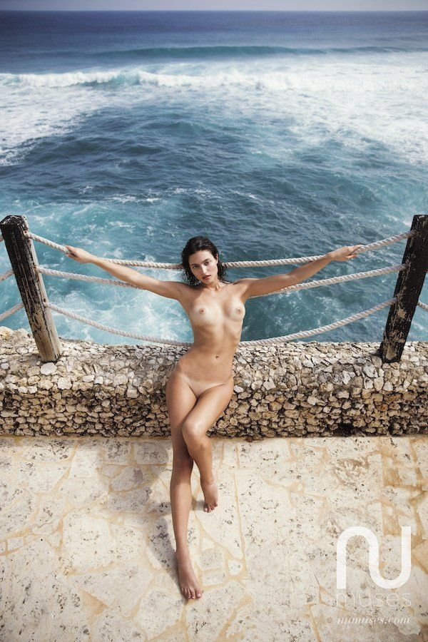 Isabelle Boemeke Nude (2 Photos)